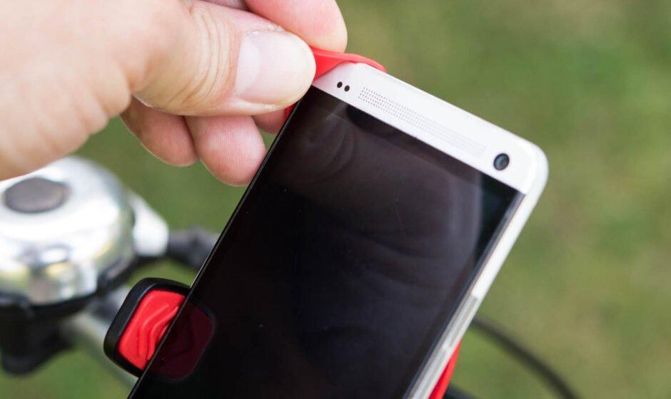 Gummiecken über das Smartphone
