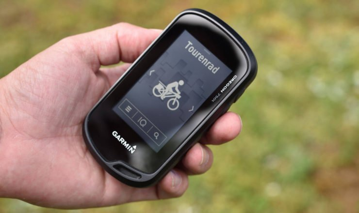 Garmin Oregon 750t in der Hand