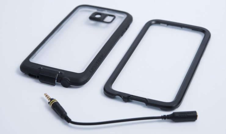 Lifeproof FRE Hülle mit Audio-Adapterkabel